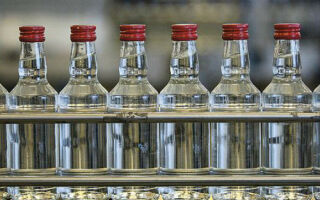 Какова минимальная цена на водку в России в 2017 году